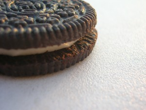 Close_up_of_an_Oreo_cookie-1
